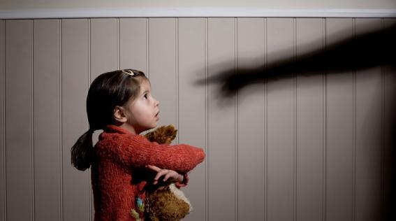 abusi-bambini-kuQH-U1030352464278JWG-568x320@LaStampa.it_